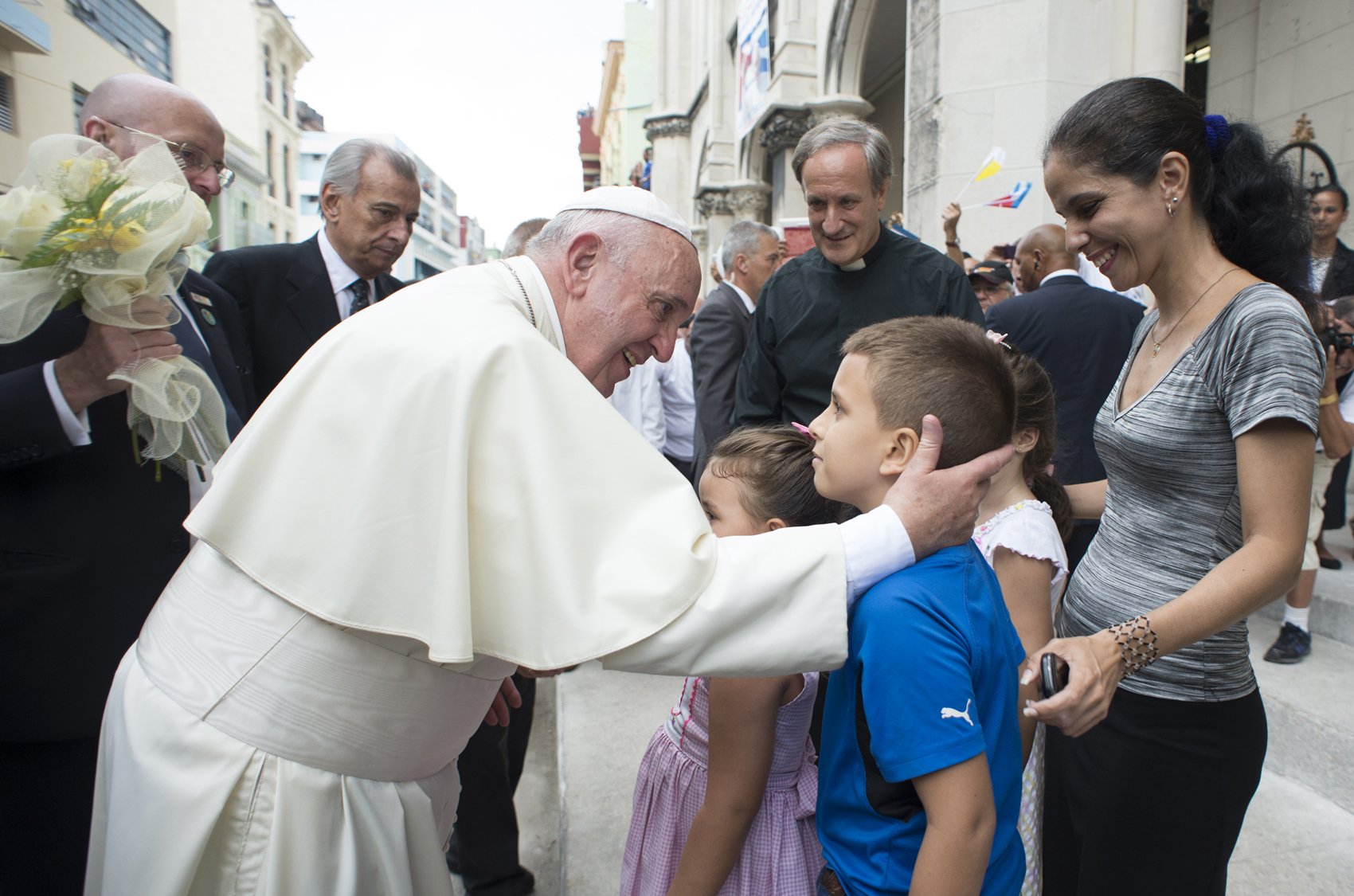 Pope Francis arrives at Havana's Jesuit-run parish of the Sacred Heart of Jesus and St. Ignatius of Loyola