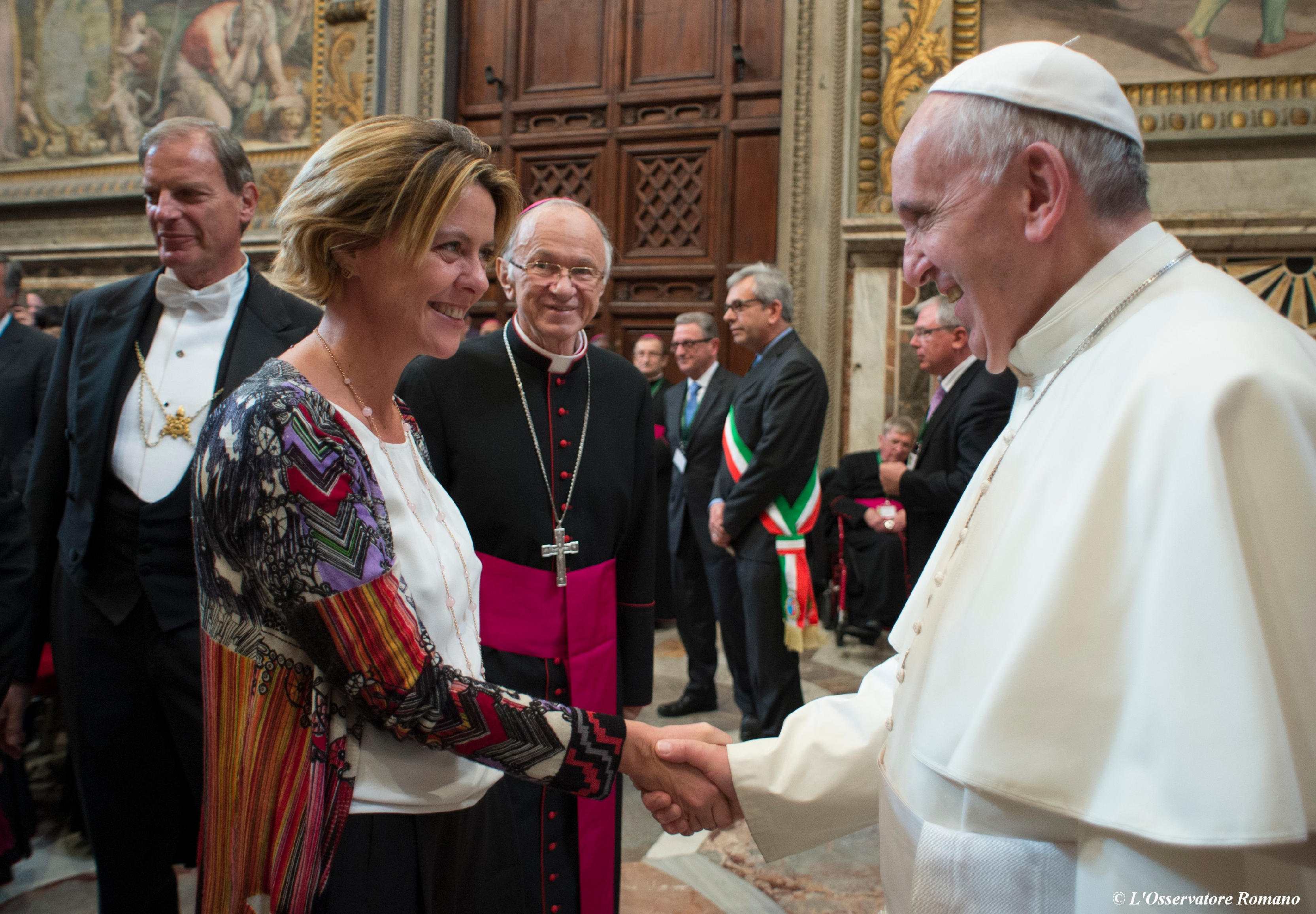 Pope meets Italy's minister of Health