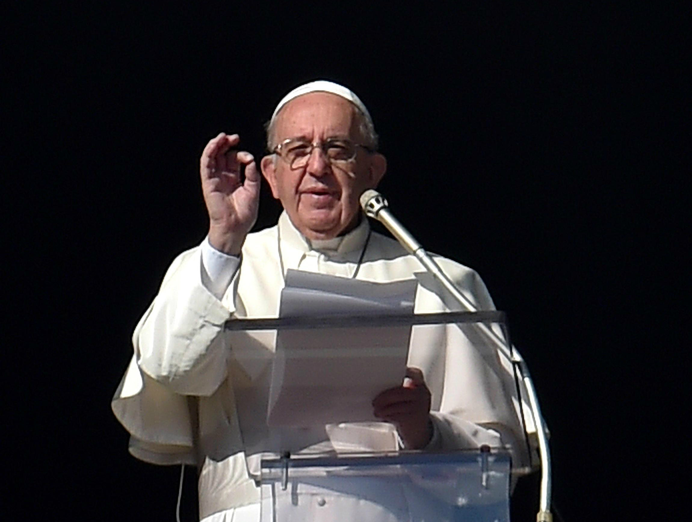 Pope Francis at the Angelus of Sunday 20th of December 2015
