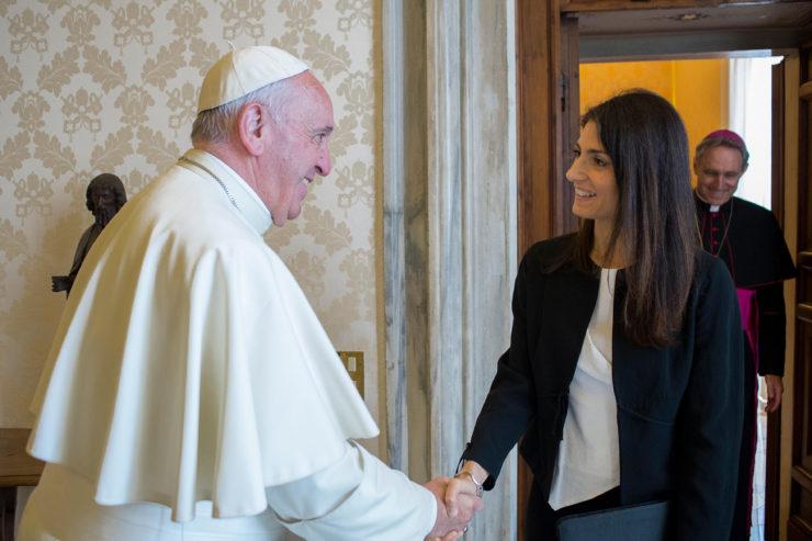 Pope Meets Rome's 1st Female Mayor - Osservatore Romano