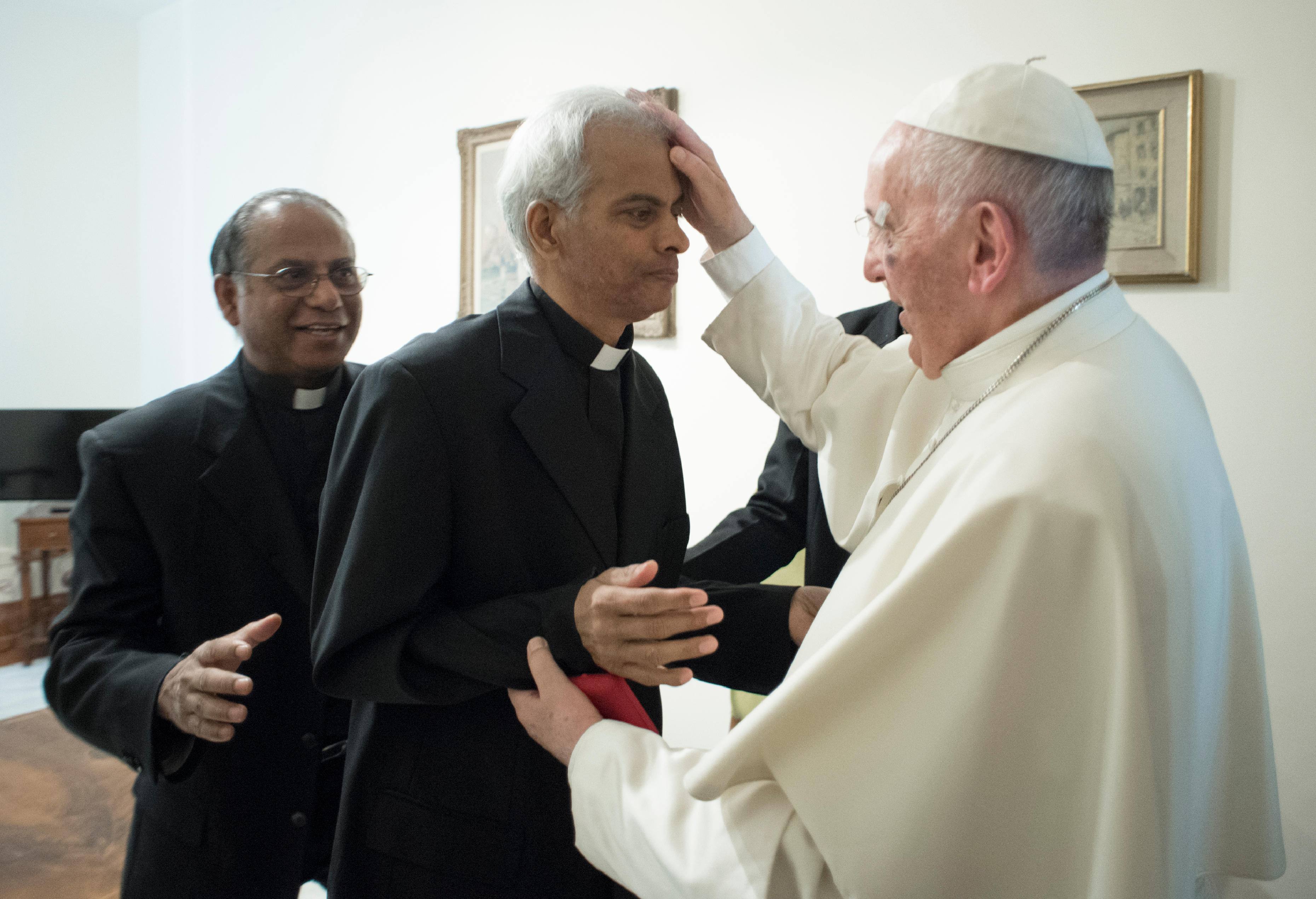 Fr Thomas meets the Pope