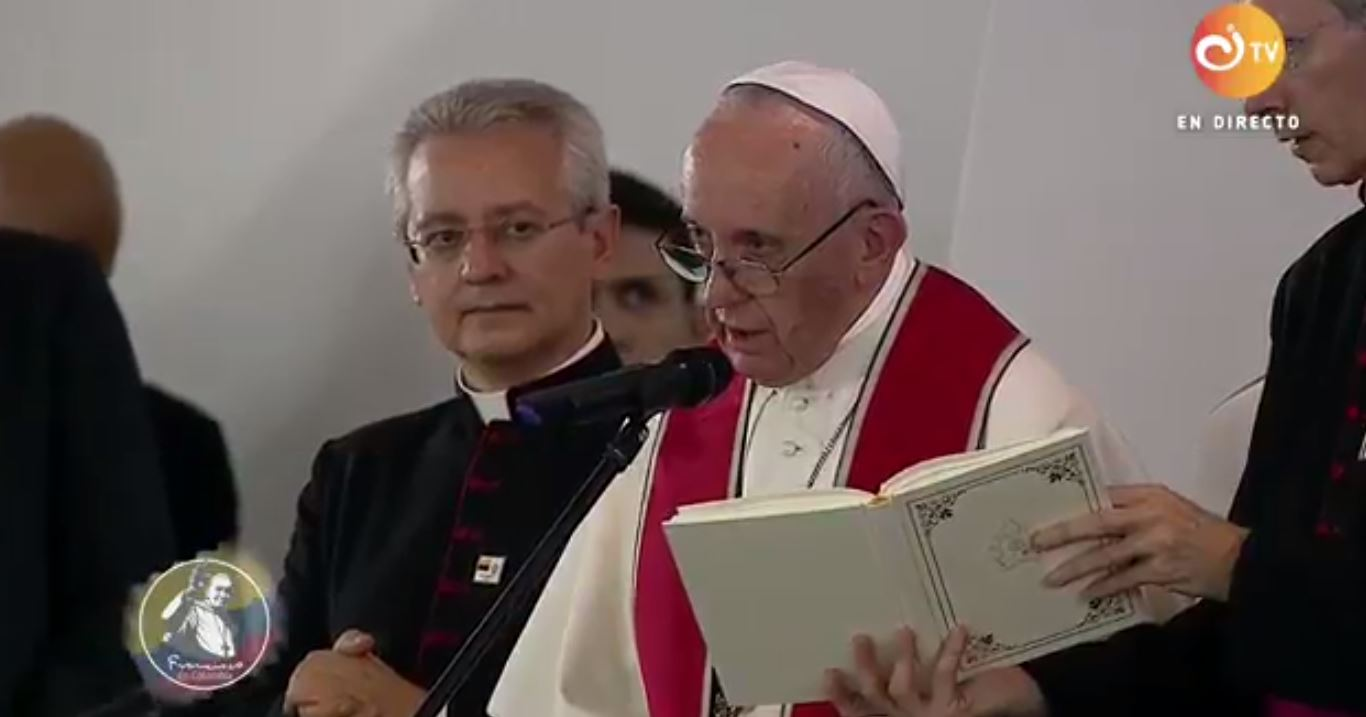 Pope prays for peace and reconciliation