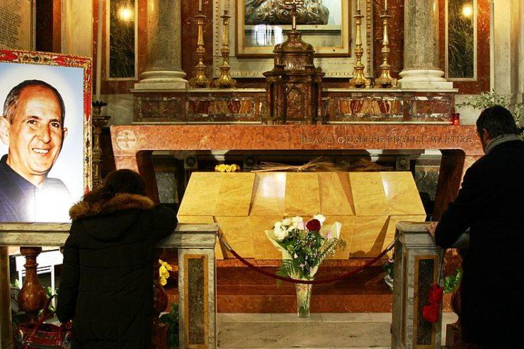 Tomb of Don Pino Pusigli © Wikimedia Commons © José Luiz Bernardes Ribeiro