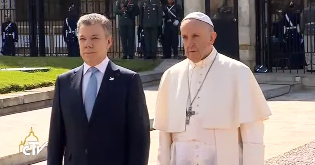 Pope Francis with Colombian President Juan Manuel Santos