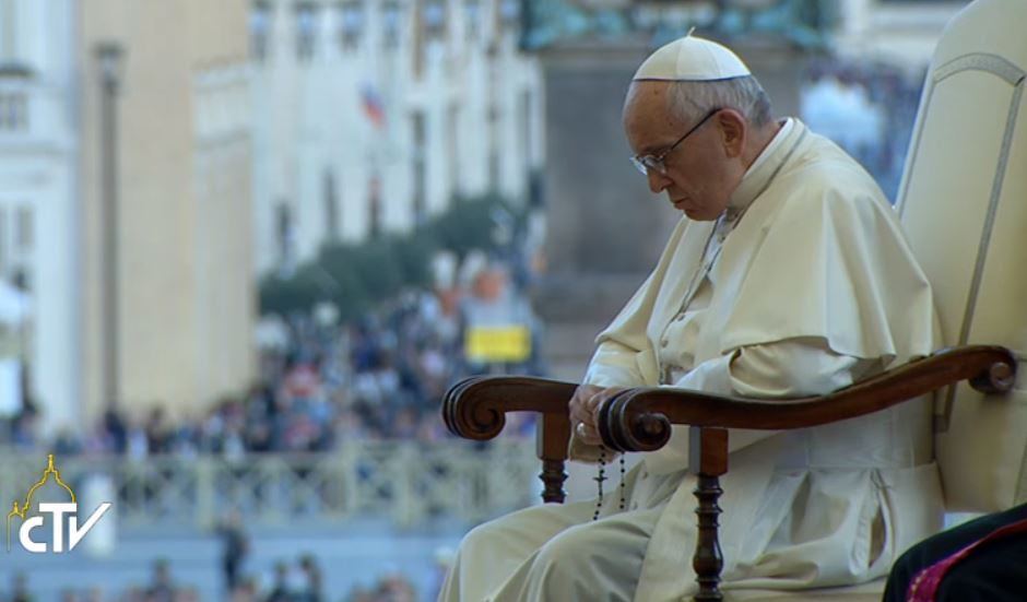 Pope Expresses Closeness, Prayers, Following Russian Submarine Fire