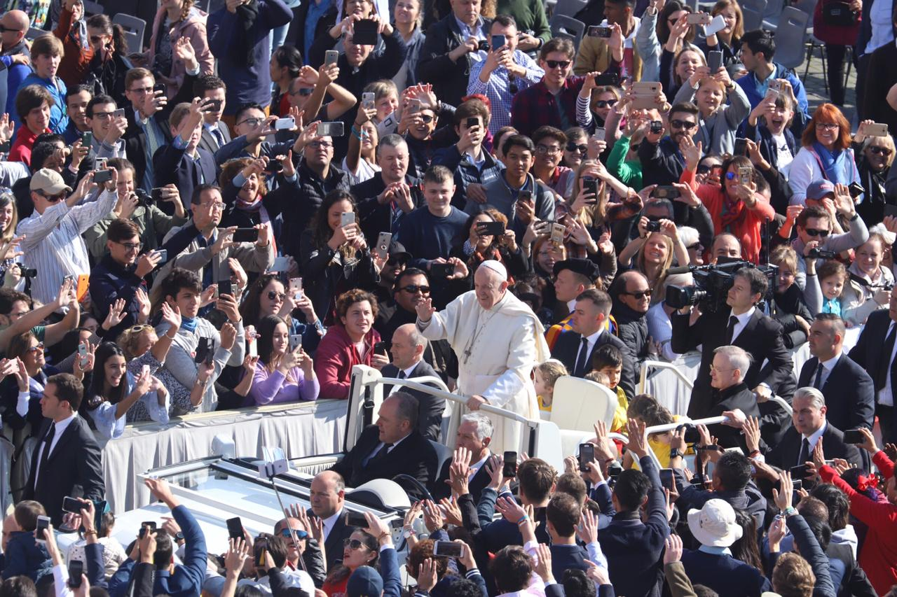 Pope Francis Reminds How a Christian Community Ought to Live