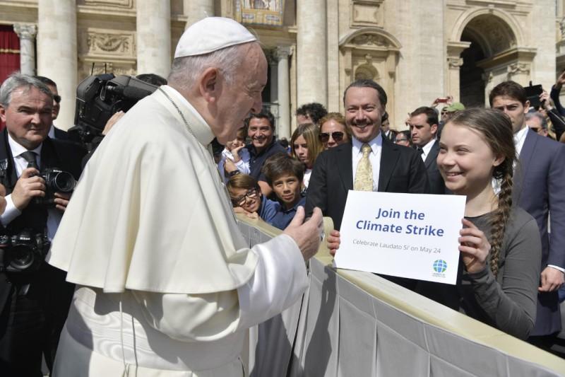 Afbeeldingsresultaat voor Greta talks with the pope