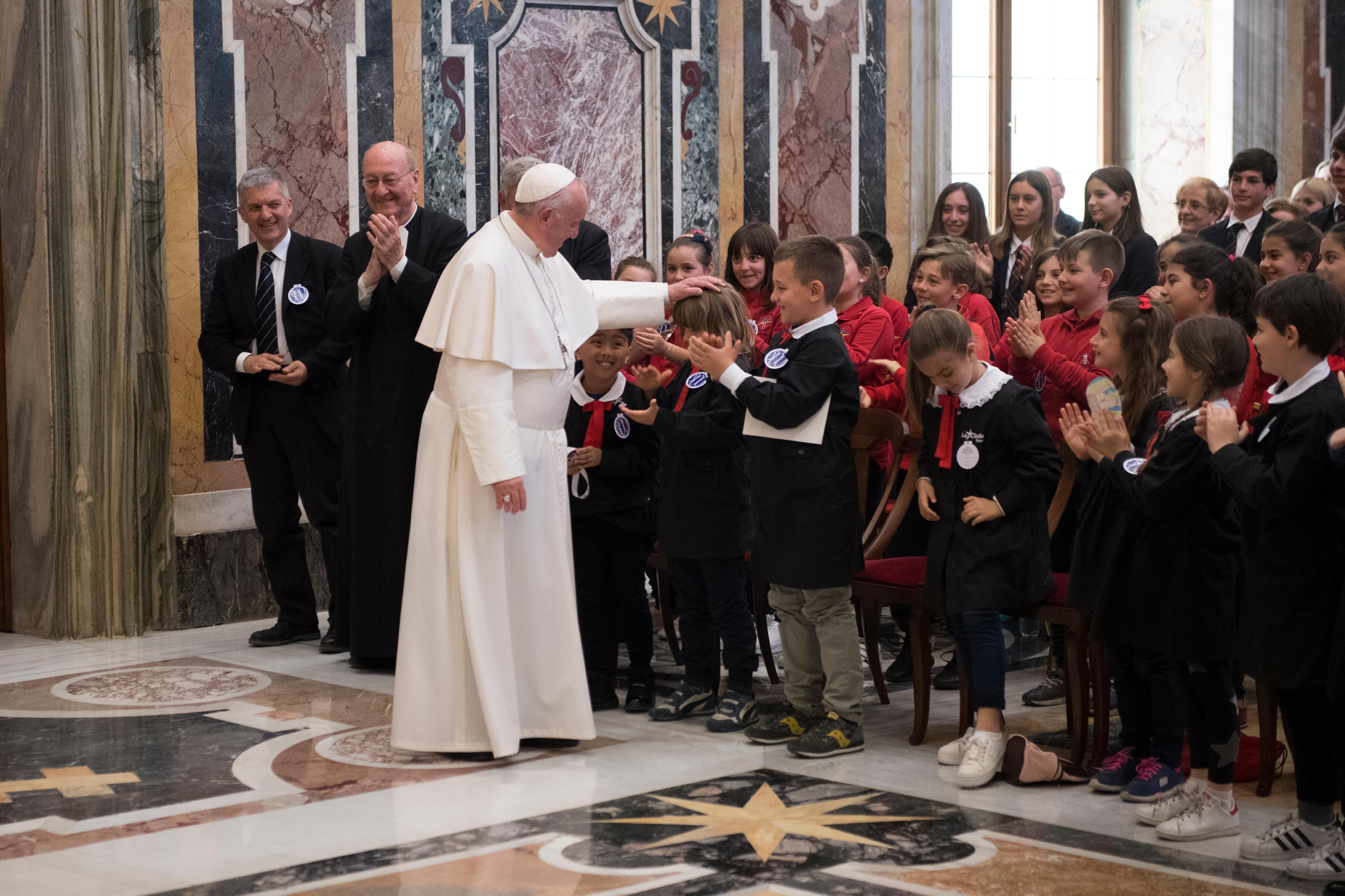 Photos De La Salle pope praises saint john baptist de la salle as 'genius and