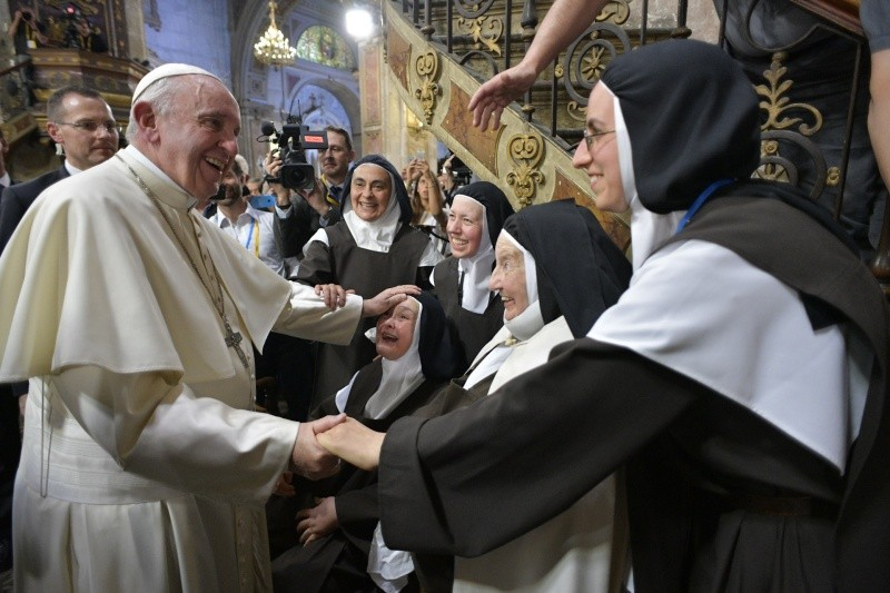Congregation of Consecrated Life: The Pope appoints new