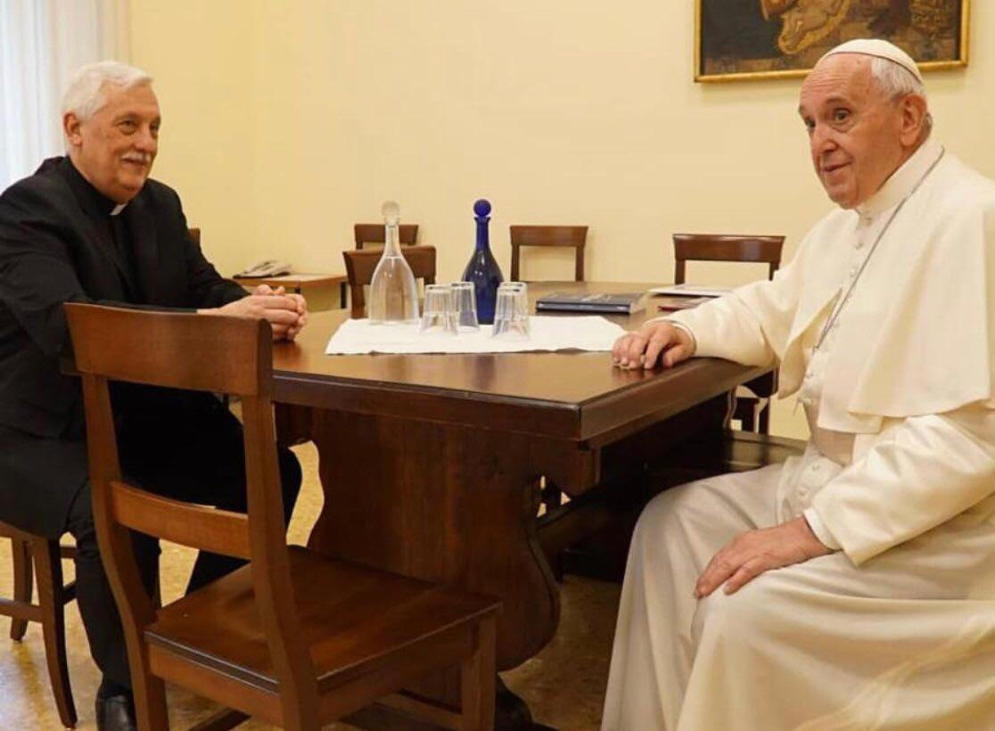 Pope Francis Visits, Dines at Jesuit Curia in Rome