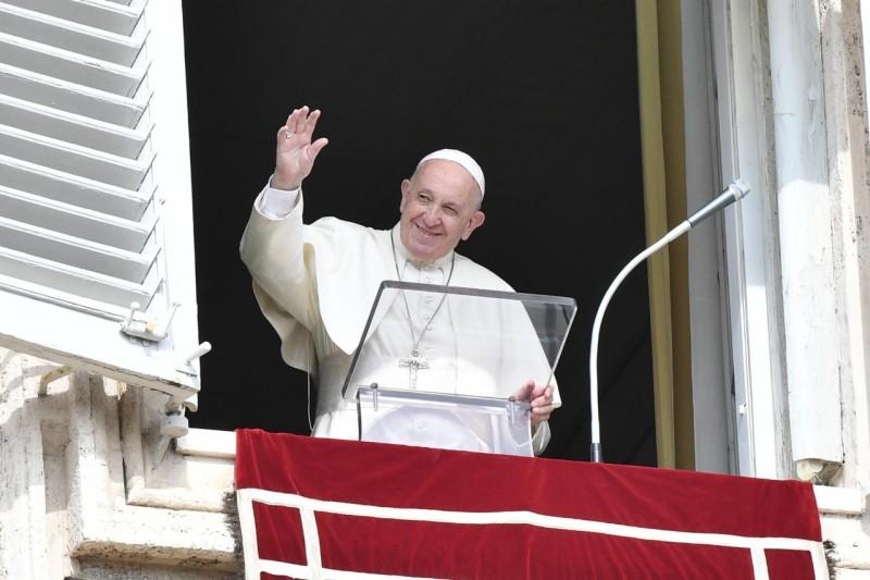 Angelus Address: On World Mission Day - ZENIT - English